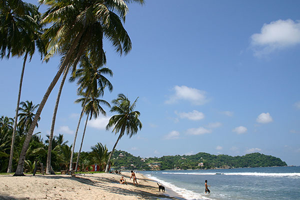 Partial view of beach in Sayulita. Photo by Harvest Estudio