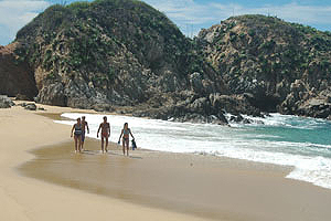 Mayto Beach in Costa Alegre