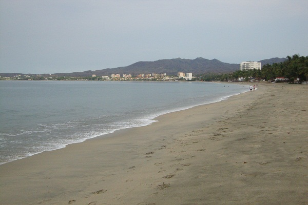 Beach in Bucerias Riviera Nayarit ● Photo by Harvest Estudio