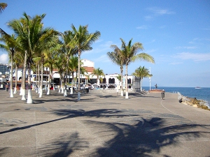 The new look of the malecon • Photo by Harvest Estudio • Please click image to enlarge